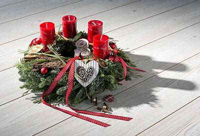 abstand zum adventskranz der sicherheitscheck f r weihnachten alle infos bei rund ums baby. Black Bedroom Furniture Sets. Home Design Ideas