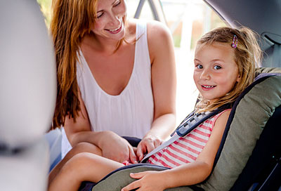 Kinder im Auto: Bei Hitze nicht allein lassen! | Alle ...