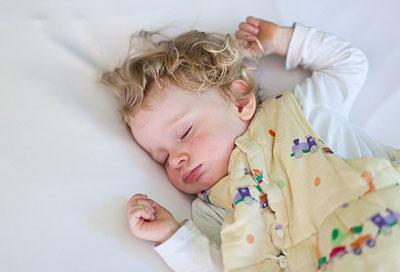 f r eine gute nachtruhe infos zum baby und kinderbett. Black Bedroom Furniture Sets. Home Design Ideas