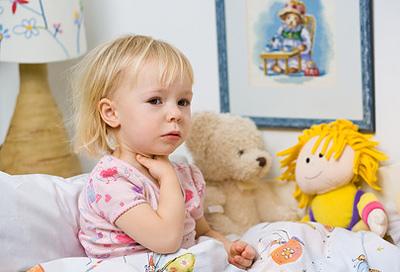 Husten Bei Kindern Oft Sehr Hartnäckig Alle Infos Bei Rund Ums Baby