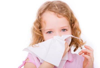 Erste Hilfe bei Nasenbluten | Alle Infos bei Rund-ums-Baby