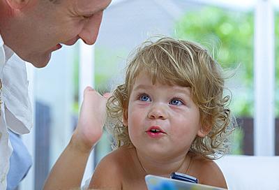 Blaue Lippen Kleinkind