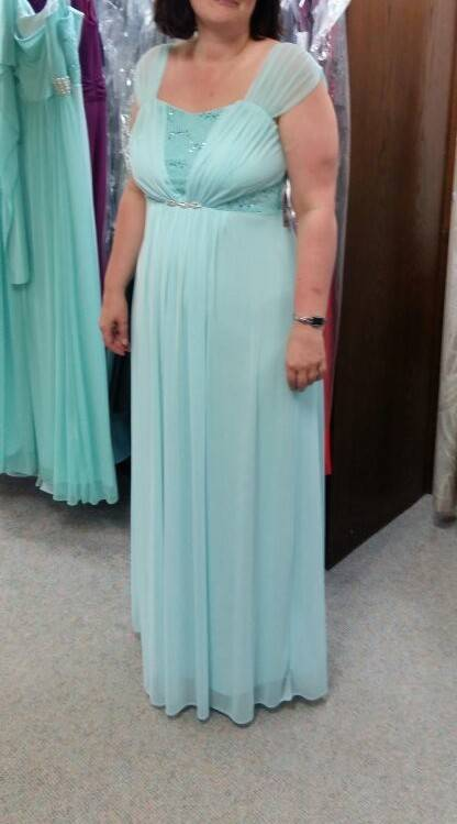 ist ein mintfarbenes kleid f r eine 40 j hrige noch ok rund ums baby forum. Black Bedroom Furniture Sets. Home Design Ideas